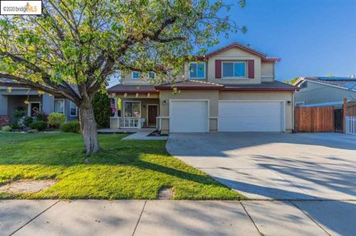 Photo of 845 Hollowbrook Dr, Brentwood, CA 94513 (MLS # 40901173)