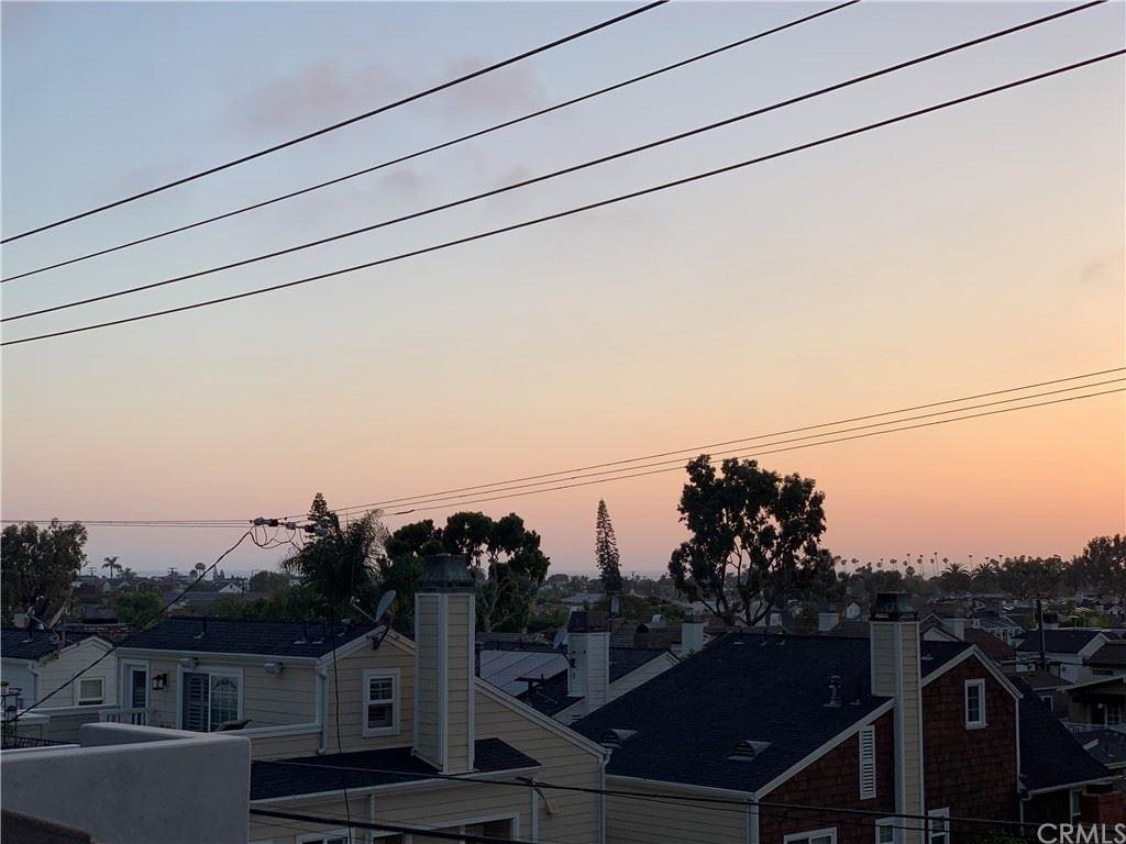 Photo of 619 1/2 Poppy Avenue, Corona del Mar, CA 92625 (MLS # OC21168173)