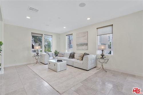 Photo of 664 N Gramercy Place, Los Angeles, CA 90004 (MLS # 21765174)