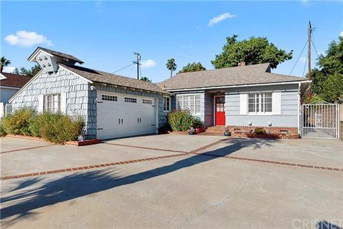 Photo of 5230 Norwich Avenue, Sherman Oaks, CA 91411 (MLS # SR20152174)