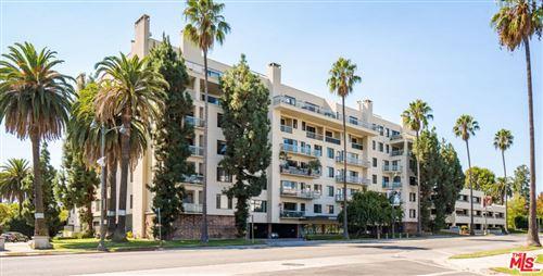 Photo of 4460 Wilshire Boulevard #305, Los Angeles, CA 90010 (MLS # 21791176)
