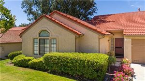 Photo of 19924 Avenue of the Oaks, Newhall, CA 91321 (MLS # SR19158178)