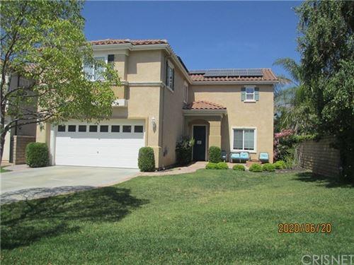 Photo of 29612 CASTLEBURY Place, Castaic, CA 91384 (MLS # SR20108179)