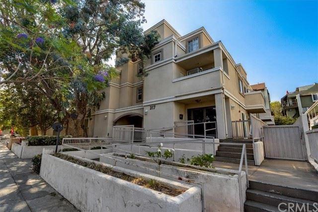 Photo of 317 E Del Mar Boulevard #4, Pasadena, CA 91101 (MLS # PF21130179)