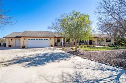 Photo of 748 N Trigo Lane, Paso Robles, CA 93446 (MLS # NS20033180)