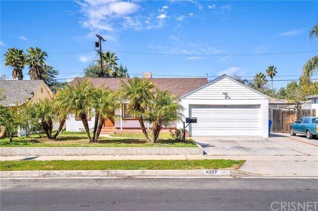Photo of 6257 Bellaire Avenue, Valley Glen, CA 91606 (MLS # SR21057180)