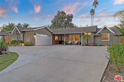 Photo of 23027 Gainford Street, Woodland Hills, CA 91364 (MLS # 21787182)