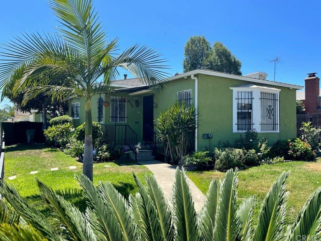 400 W School Street, Compton, CA 90220 - MLS#: DW21201182