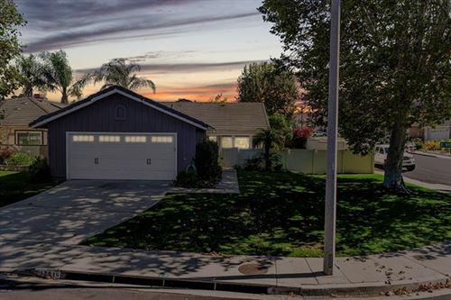 Photo of 12946 E Vistapark Drive, Moorpark, CA 93021 (MLS # 220008183)
