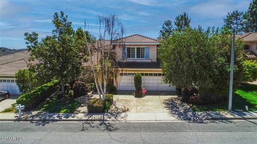 Photo of 944 Bright Star Circle, Thousand Oaks, CA 91360 (MLS # 221002183)