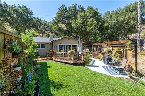 Photo of 6623 Clear Springs Road, Simi Valley, CA 93063 (MLS # 221004183)