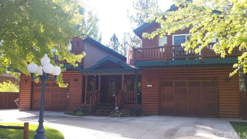 Photo of 712 E Mountain View Boulevard, Big Bear, CA 92314 (MLS # PW20179183)
