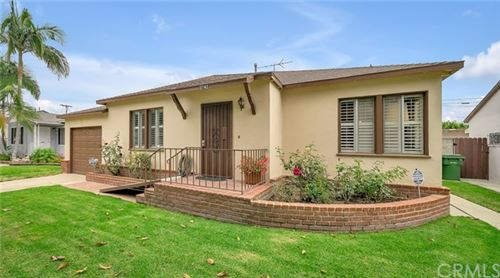 Photo of 2742 S Westgate Avenue, West Los Angeles, CA 90064 (MLS # SB20225183)