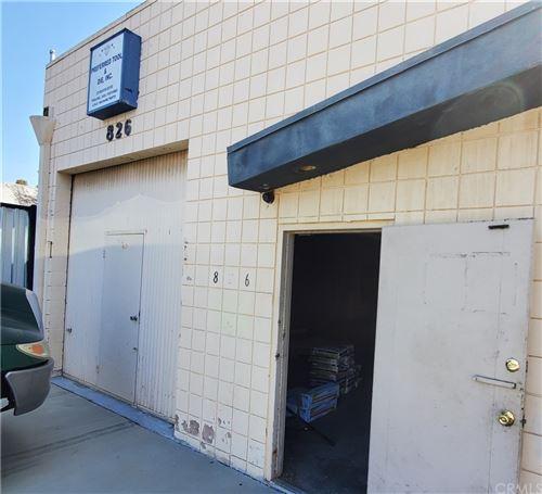 Photo of 826 W Hyde Park Boulevard, Inglewood, CA 90302 (MLS # SB21203183)