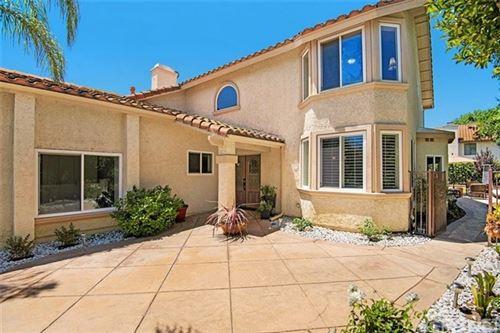 Photo of 6067 Rustling Oaks Drive, Agoura Hills, CA 91301 (MLS # SR20136183)