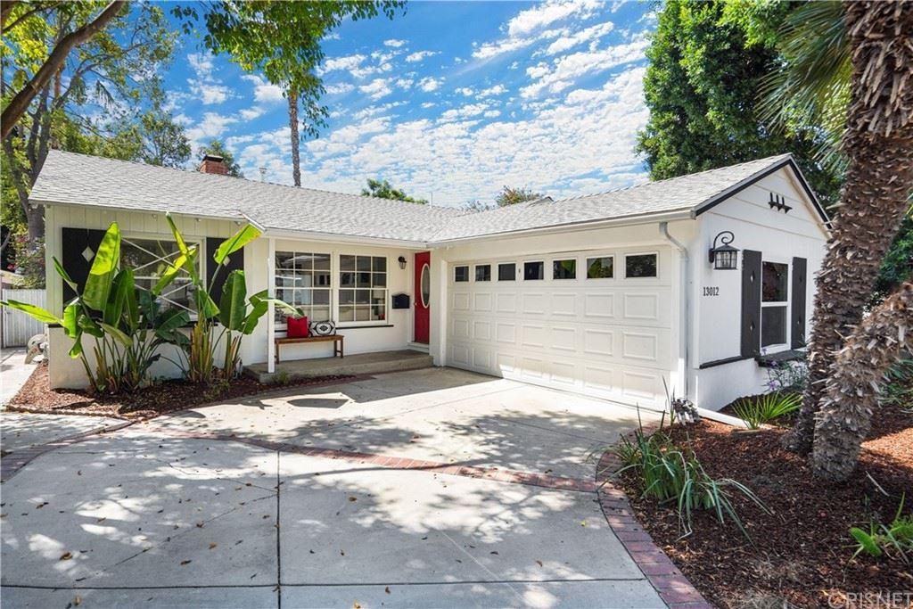 Photo of 13012 Erwin Street, Valley Glen, CA 91401 (MLS # SR21202183)