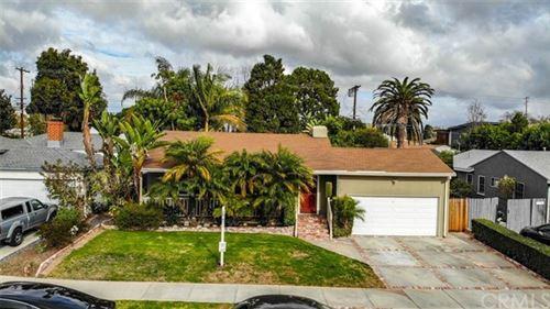 Photo of 3542 S Bentley Avenue, Los Angeles, CA 90034 (MLS # IG21006184)