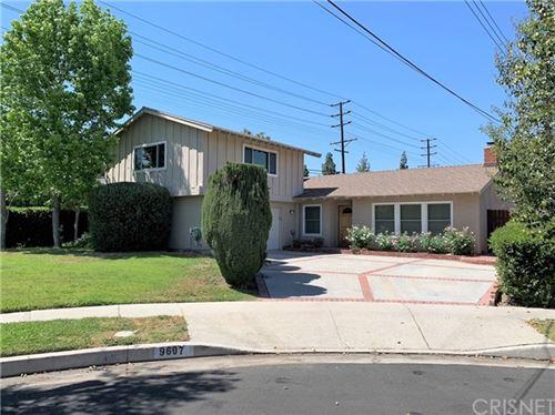 Photo of 9607 Crebs, Northridge, CA 91324 (MLS # SR21094184)