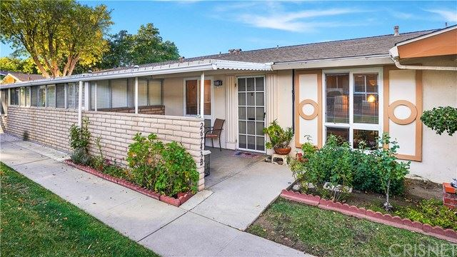 Photo for 26743 Whispering Leaves Drive #B, Newhall, CA 91321 (MLS # SR19268184)