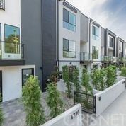 Photo of 4726 Vantage, Valley Village, CA 91607 (MLS # SR21150185)