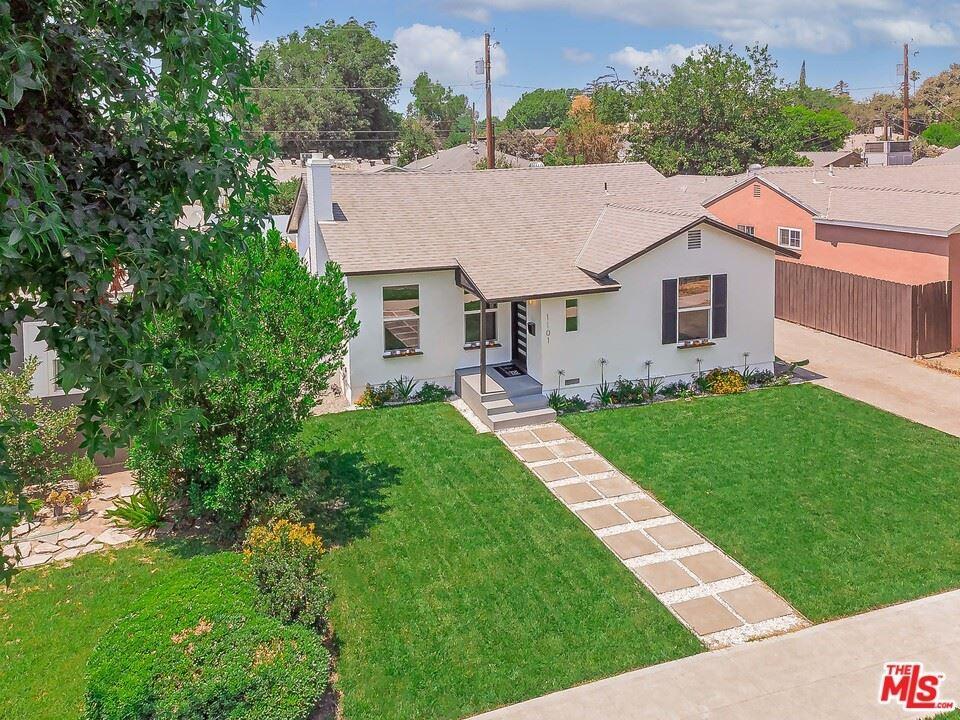 Photo of 1101 N Reese Place, Burbank, CA 91506 (MLS # 21756186)