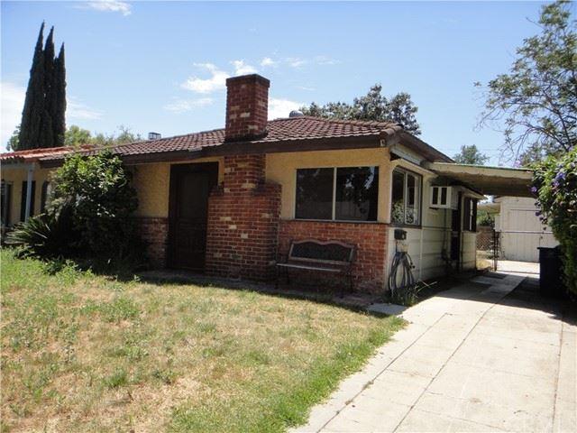 Photo of 541 N Griffith Park Drive, Burbank, CA 91506 (MLS # BB21136186)