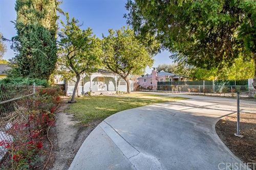 Photo of 5924 Topeka Drive, Tarzana, CA 91356 (MLS # SR21040188)