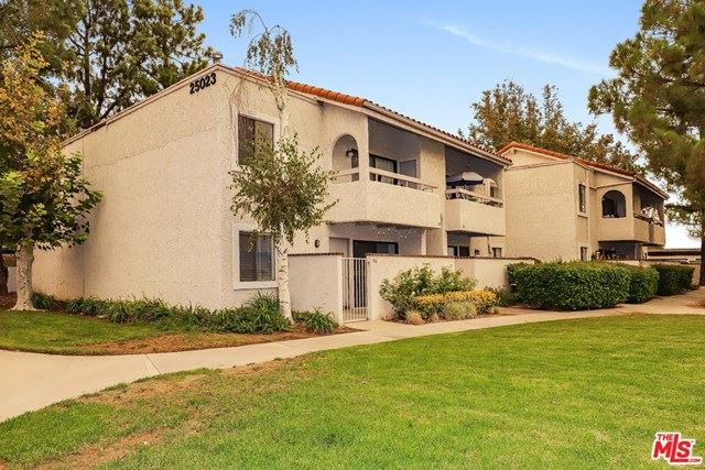 Photo for 25023 Peachland Avenue #156, Newhall, CA 91321 (MLS # 20630188)