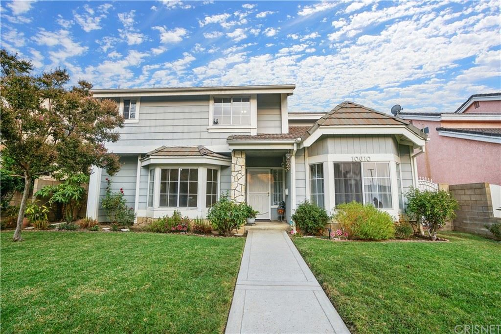Photo of 10610 Swinton Avenue, Granada Hills, CA 91344 (MLS # SR21218188)
