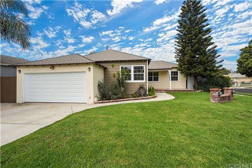 Photo of 9025 Rhea Avenue, Northridge, CA 91324 (MLS # SR21210189)