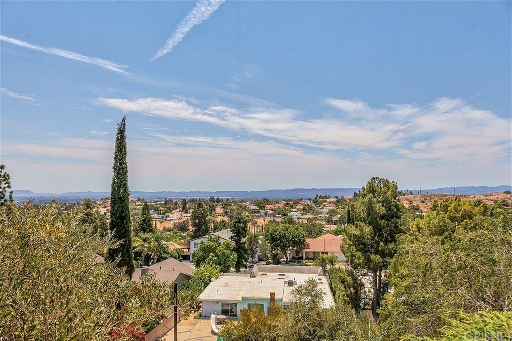 Photo of 12650 Nola Place, Granada Hills, CA 91344 (MLS # SR21128189)