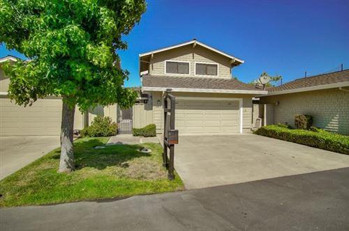 Photo of 160 Donnas Lane, Hollister, CA 95023 (MLS # ML81796190)
