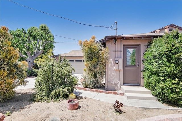 Photo of 6164 Van Noord Avenue, Valley Glen, CA 91401 (MLS # SR21115190)