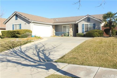 Photo of 2604 Vineyard Circle, Paso Robles, CA 93446 (MLS # NS21011191)