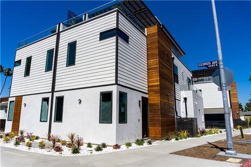 Photo of 14655 Moorpark Street, Sherman Oaks, CA 91403 (MLS # SR21162191)