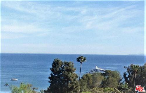 Photo of 28196 Rey De Copas Lane, Malibu, CA 90265 (MLS # 21740192)