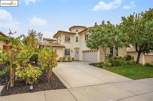 Photo of 916 Augusta Dr, Brentwood, CA 94513 (MLS # 40920192)