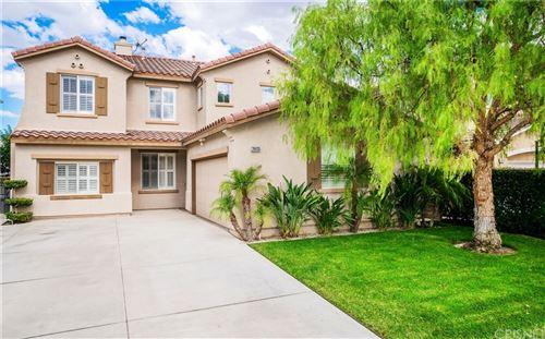 Photo of 26435 Kipling Place, Stevenson Ranch, CA 91381 (MLS # SR21198193)