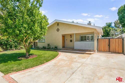 Photo of 21306 De La Osa Street, Woodland Hills, CA 91364 (MLS # 20600194)
