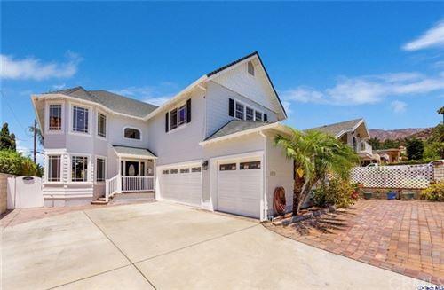 Photo of 1037 E Orange Grove Avenue, Burbank, CA 91501 (MLS # 320003194)