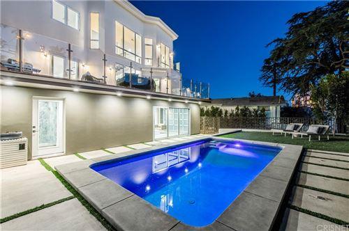 Photo of 1432 N Kings Road, Hollywood Hills, CA 90069 (MLS # SR21166194)