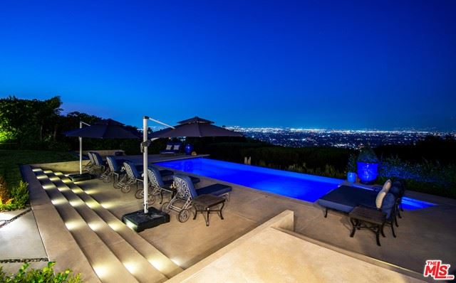 Photo of 3316 Clerendon Road, Beverly Hills, CA 90210 (MLS # 21693194)