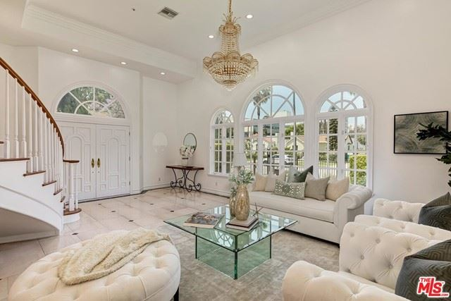 Photo of 138 N Carson Road, Beverly Hills, CA 90211 (MLS # 21746194)