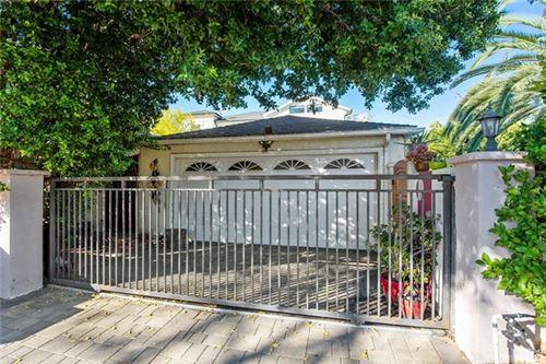 Photo of 4938 Haskell Avenue, Encino, CA 91436 (MLS # SR21024195)