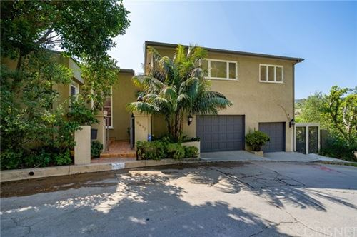 Photo of 9430 Readcrest Drive, Beverly Hills, CA 90210 (MLS # SR21099196)