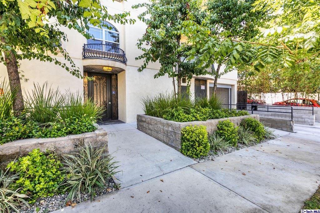 Photo of 5315 Bellingham Avenue #104, Valley Village, CA 91607 (MLS # 320007196)
