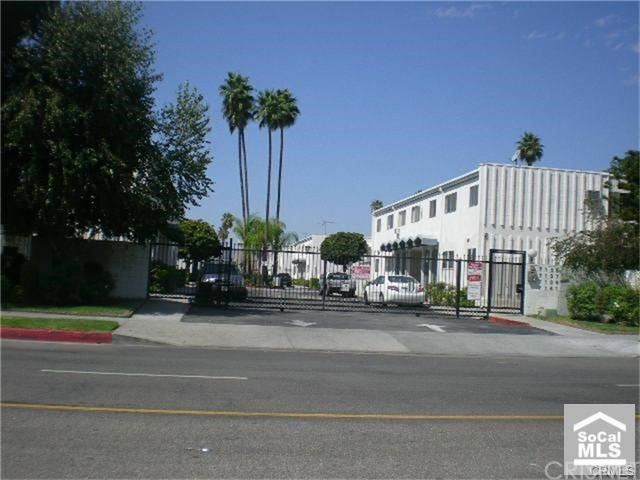7137 Coldwater Canyon Avenue #6, North Hollywood, CA 91605 - MLS#: SR21152197