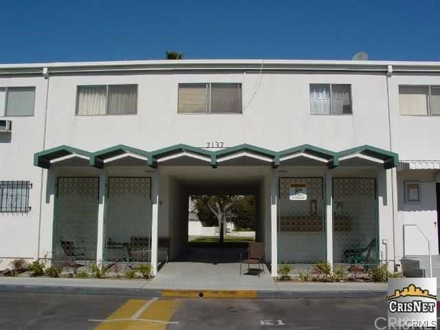 Photo of 7137 Coldwater Canyon Avenue #6, North Hollywood, CA 91605 (MLS # SR21152197)