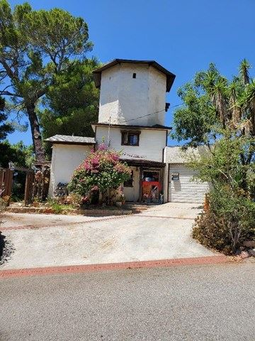 Photo of La Crescenta, CA 91214 (MLS # 527198)