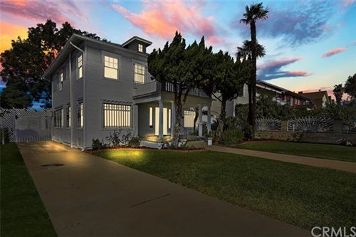 Photo of 927 N Edgemont Street, Los Feliz, CA 90029 (MLS # CV20187199)